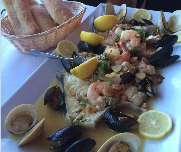 seafoodplatterfreshpizzabreadMammaFrancesca